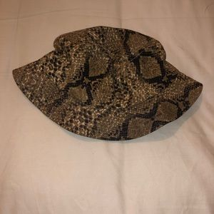 Urban Outfitters Snakeskin Bucket hat NEW